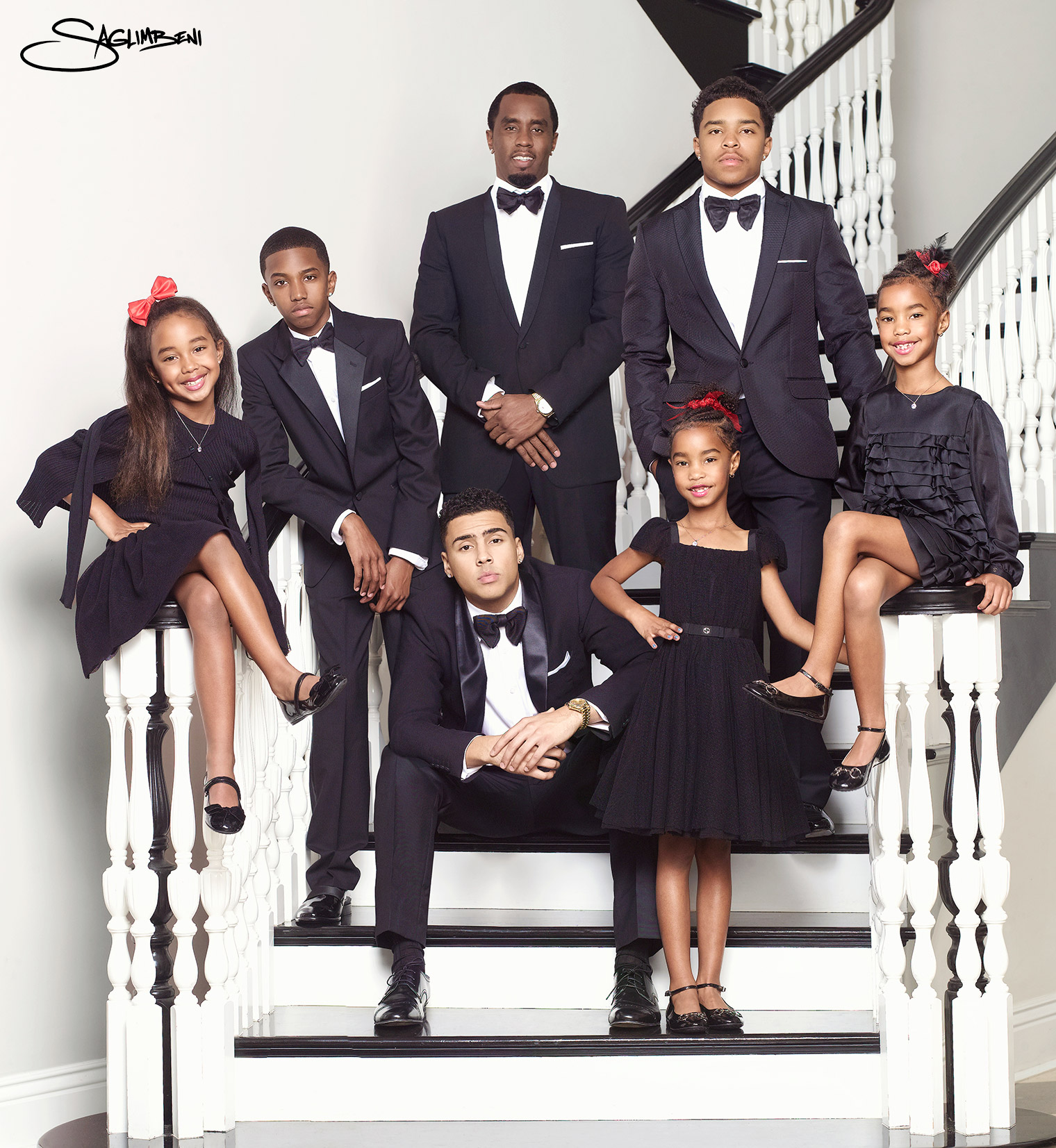 Sean-Diddy-Combs-2013-Family-Christmas-Potrait-by-Nick-Saglimbeni